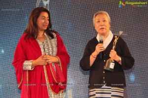 Tibetan activist Ama Pema Jetsun feted at 13th GR8! Women Awards