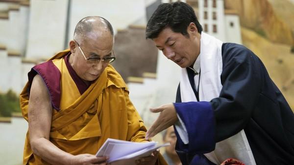 Lobsang Sangay, right, and the Dalai Lama in Dharamsala on Thursday