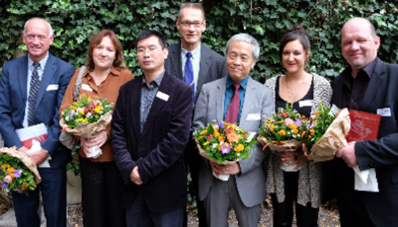 Jury and this year's awardees of the snowlion. Also in this image: Chinese journalist Chang Ping who gave a key note speech, and ICT-Germany's board chairman Prof. Jan Andersson. (Photo courtesy: Michael Rahn)