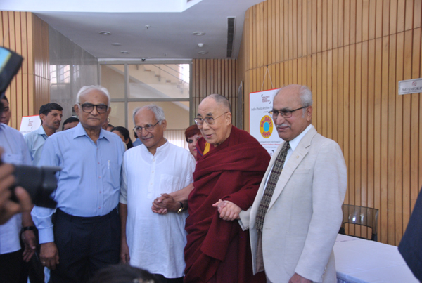 His Holiness graces international conference on democracy held in honor of George Fernandez