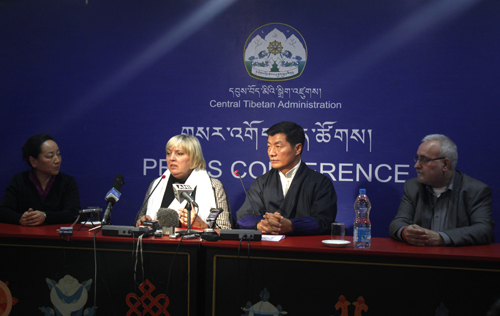 Ms Claudia Roth, Vice President of German Parliament(2nd from left) and Sikyong Dr Lobsang Sangay (3rd from left) during the press conference).