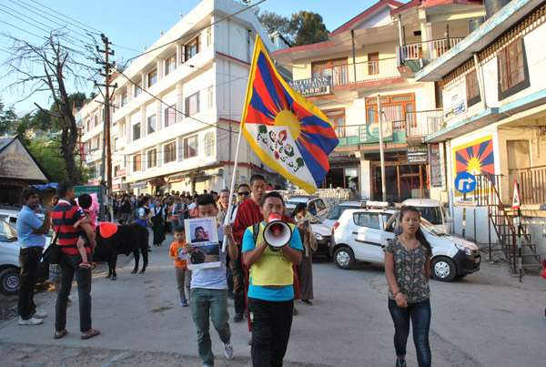 Candle light vigil held in Dharamsala to express solidarity with latest Tibetan self-immolator Tenzin Gyatso