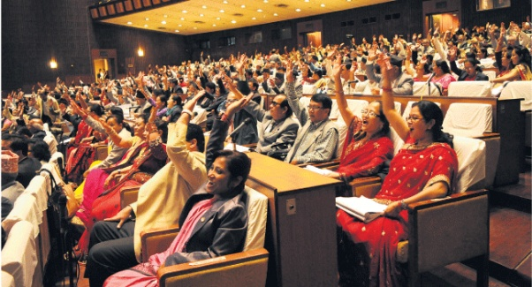 Dipesh Shrestha/Republica Lawmakers endorse an article of the new constitution through voice vote at the Constituent Assembly meeting on Wednesday. On Wednesday evening, 507 of the 532 CA members present at the meeting voted in favor of the new constitution. REPUBLICA/FILE