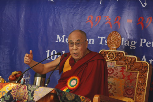 His Holiness graces 10th anniversary celebrations of Mewoen Petoen School