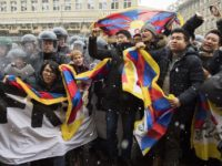 Swiss police detain 32 activists, stops Tibetan man from self-immolating during Xi Jinping visit